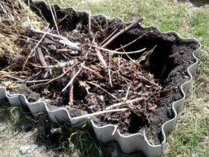 kak-pravilno-sdelat-kompostnuyu-yamu-7